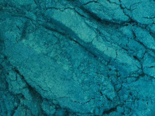 Turquoise green mica